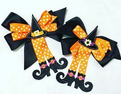 Excited to share this item from my shop: Girls Halloween Hair Bows Cat Halloween Makeup, Halloween Hair Bows, Halloween Paper Crafts, Baby Halloween, Fairy Makeup, Mermaid Makeup, Mermaid Hair, Makeup Art, Witch Hair