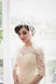 Just so happy they did this:  A 1920s Downton Abbey Inspired Bridal Shoot ~ UK Wedding Blog ~ Whimsical Wonderland Weddings