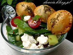 Leśny Zakątek: Pieczone pierogi z pyszną sałatką Pierogi, Potato Salad, Potatoes, Ethnic Recipes, Food, Potato, Essen, Yemek, Meals