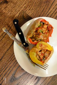 New favorite fall meal: Cheesy, veggie-filled roasted stuffed bell peppers. #recipe Wow!!!