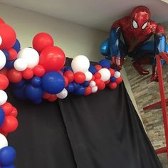 Spiderman abstract half arch Red, Blue and White balloon decor for Spiderman/Superhero theme party Fête Spider Man, Spider Man Party, 3rd Birthday Parties, Birthday Party Decorations, Boy Birthday, Birthday Ideas, Spiderman Theme, Superhero Theme Party, Superman Birthday