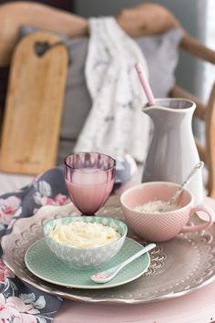 La crema de harina es el buttercream perfecto. Una crema suave, nada dulce, nada empalagosa y que será la base del sabor que más te guste. Además barata