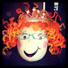 Fancy Nancy Book Character Pumpkin Could be Ms. Theme Halloween, Cute Halloween, Holidays Halloween, Halloween Pumpkins, Halloween Crafts, Halloween Decorations, Halloween Goodies, Halloween Stuff, Halloween Ideas