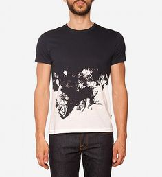 NEW Sev Crew Ink T-Shirt by J.Lindeberg | $88 | Printed with an edgy, style-forward ink design, J. Lindeberg's slim fitting t-shirt ups the off-duty game. The very graphic noir-on-white print crewneck is crafted from an airy cotton and lends denim and the blackest of boots a distinct bad boy cool. | GOTSTYLE.CA