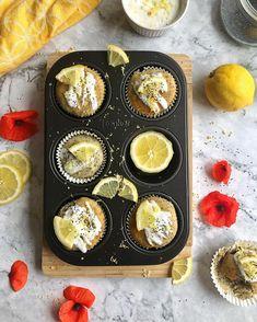 Víte, jak se dělají muffiny a co to je? Ukážeme vám, jak si udělat ty nejlepší domácí muffiny doma a jaké druhy si můžete přichystat. Breakfast, Food, Morning Coffee, Essen, Meals, Yemek, Eten