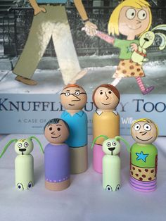 Knuffle Bunny Too Wooden Peg Dolls by PaintsandPeoples on Etsy