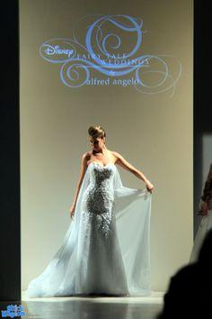 Fairy tale weddings Frozen Wedding Dress, Wedding Dresses, Frozen Outfits, Frozen Princess, Bubble, One Shoulder Wedding Dress, Fairy Tales, Weddings, Bride