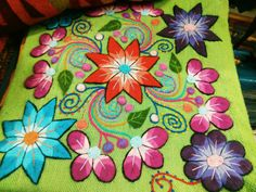 FREE SHIPPING high quality and Hand embroidered por Peruartisan