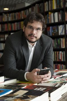 O poder de uma história. Entrevista com Fernando Palacios, cofundador da Storytellers - #storytellingInovou implementando o primeiro…
