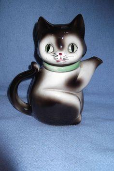 Vintage Cat Teapot 1972 Black & White Kitty w Green Collar.