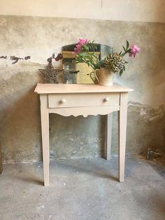 Table ancienne repeinte en rose poudré Annie SLoan #banaborose #rosepoudré