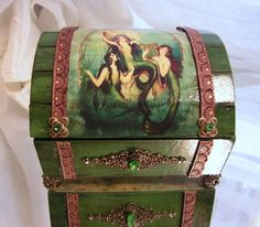 Emerald Green Mermaids Treasure Chest Jewelry / Keepsake box want this for the goodies!