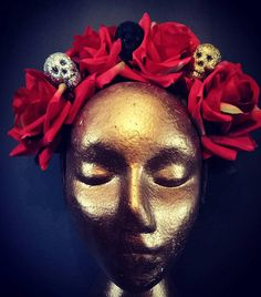 One of my handmade headdress' Day Of The Dead. This has glitter skulls and giant red rose's. Beautiful and big and will fit adults and children. Diy Day Of The Dead, Cosplay Diy, Headdress, Red Roses, Bliss, Halloween Face Makeup, My Etsy Shop, Skull, Glitter