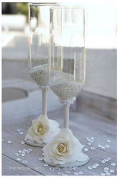 $50 Ivory Wedding Glasses Wedding champagne glasses by IrenDesigns, €40.00
