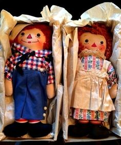 Mint Condition Raggedy Ann & Andy Georgene Novelty Inc. I believe these are awake-asleep dolls.