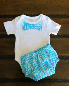 Organic boys bodysuit 0 - 3 months with Shorts  / boy bodysuit with bowtie / Organic Baby clothes / Baby Shower Gift / Baby Boy clothes by FourLittleButtons on Etsy
