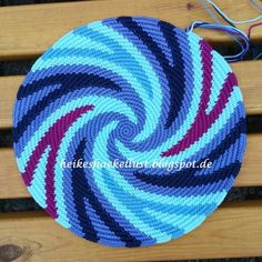 Boden für Wayuu mochila IV - Nine Ben - Pineagle Tapestry Crochet Patterns, Crochet Purse Patterns, Crochet Mandala Pattern, Beading Patterns, Crochet Shell Stitch, Knit Or Crochet, Crochet Hats, Crochet Handbags, Crochet Purses