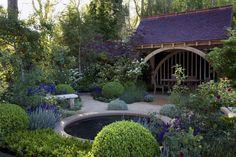 traditional-garden-design-chelsea-roger-platts-mg-garden