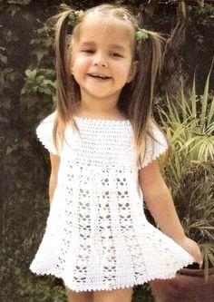 Girl crochet dress free pattern ☼Teresa Restegui http://www.pinterest.com/teretegui/☼