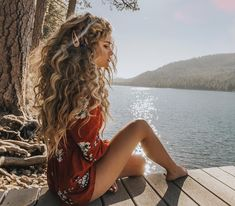 Curly hairstyles 697213586043494657 - Most Gorgeous Natural Long Curly Hairstyles for Lady Girls – Page 40 of 67 – Diaror Diary ⓿➏➊➎-⓿➑ Source by diarordiary Curly Hair Designs, Curly Hair Styles, Natural Hair Styles, Natural Curls, Hairstyles With Bangs, Easy Hairstyles, Pretty Hairstyles, Girl Hairstyles, Curly Hairstyles For Long Hair
