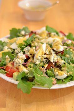 kana-lehtikaalisalaatti chicken kale salad