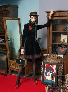 Sábado de moda: Antigüedades, boinas y un canotier · Fashion saturday: antiques, berets and a canotier