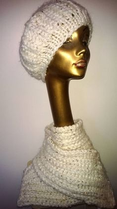 Lämmintä sekä kaunista kaulaan ja päähän. Seija T:n neulomia.