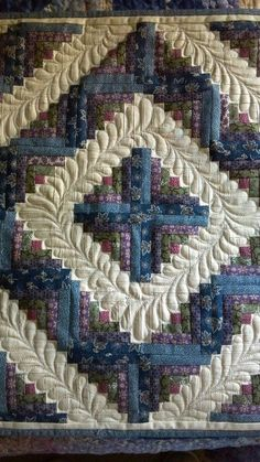 Log Cabin quilt by Harriet Carpanini..