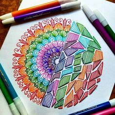 Dibujos Zentangle Art, Zentangle Drawings, Zentangle Patterns, Zentangles, Mandala Doodle, Mandala Drawing, Doodle Art, Cool Art Drawings, Colorful Drawings