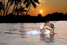 Big Island Weddings Sunset Photography is Kona, Hawaii's best Big Island Weddings Hawaii's best sunset beach wedding planners and photographers