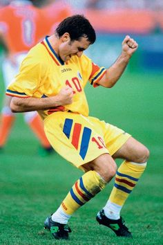 Gheorge Hagi (Romania, Steaua Bucuresti, Real Madrid, Galatasaray)