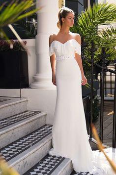 Rochie de mireasa Milla Nova Solia imaginea 2 Formal Dresses, Wedding Dresses, One Shoulder Wedding Dress, Nova, Clothes, Fashion, Dresses For Formal, Bride Dresses, Outfits