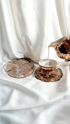 Diy Epoxy, Epoxy Resin Art, Diy Resin Art, Diy Resin Crafts, Diy Art, Diy Crafts For Home Decor, Arts And Crafts, Diy Resin Projects, Resin Furniture