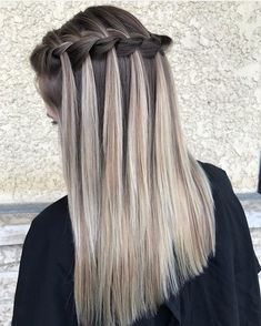 Platinum Blonde Balayage Style That You You Will Fall In Love with - Inspired Beauty Pretty Braided Hairstyles, Box Braids Hairstyles For Black Women, Classy Hairstyles, Easy Hairstyles For Long Hair, Braids For Long Hair, Braid Styles, Short Hair Styles, Platinum Blonde Balayage, Hair Color Techniques