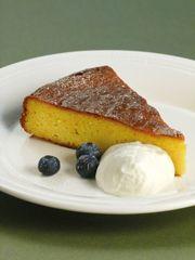 WOW! Was für ein Kuchen! Aufgrund der Zubereitungsmethode, bei der die Orangen wirklich komplett verarbeitet …