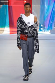 No. 21 Spring 2019 Menswear Fashion Show Collection: See the complete No. 21 Spring 2019 Menswear collection. Look 6