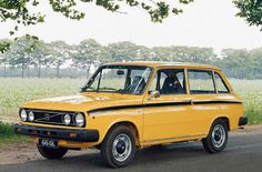 Pictures of Volvo 66 GL Kombi Eindhoven, Classic Car Show, Classic Cars, Volvo S80, Hatchback Cars, Shooting Brake, Cars Usa, Yellow Car, Volvo Cars