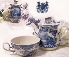 Tea for One Tea For One, My Cup Of Tea, Blue And White China, Blue China, Café Chocolate, Tea And Crumpets, Teapots And Cups, China Patterns, Tea Time
