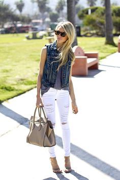 wouldn t do the torn jeans (what a silly fashion!) but like · Moda FemeninaChaleco  Blanco MujerChaqueta ... a8965d3f251d