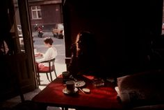 Cafe in the Globe bookstore. Prague, 1994. Photo by Gueorgui Pinkhassov.