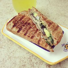 grilled cheese sandwich done healthy with olive oil and veggies - try a flavored Olive Bin olive oil! Veggie Sandwich, Soup And Sandwich, Sandwich Buffet, Sandwich Cream, Healthy Recipes, Clean Recipes, Healthy Eats, Yummy Recipes, Healthy Life