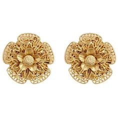 Miriam Haskell Filigree pansy flower stud clip earrings ($170) ❤ liked on Polyvore featuring jewelry, earrings, metallic, flower jewelry, vintage earrings, vintage clip on earrings, flower jewellery and gold tone earrings