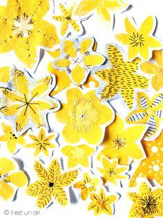 Fleurs jaunes brodées