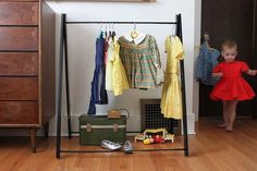 mini clothes rack for kids that is very simple to DIY. Too adorable!!!   Link to complete tutorial.