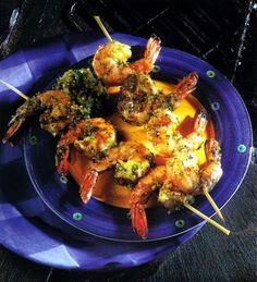 Espetada de Camarão com Pesto de Nozes...pode visualizar a receita em http://www.gastronomias.com/receitas/rec3483.htm