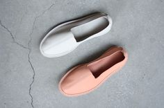 LEATHER SLIP-ONS, TILE