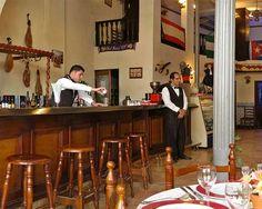 La historia de El Baturro comienza en 1919, cuando el importador de vinos y licores aragonés Romualdo Lalueza se estableció en la Calle Egido Havana Cuba, Restaurants, Historia, Liqueurs, Wine, Street