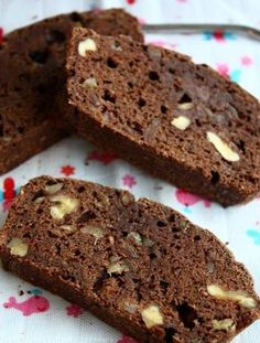 Banana bread with chocolate and walnuts - Francesca Cooks - Banana bread with chocolate and walnut flour replaced by buckwheat o. Cake Vegan, Healthy Cake, Healthy Dessert Recipes, Healthy Baking, Cake Recipes, Snack Recipes, No Bake Chocolate Cake, Gluten Free Chocolate, Baked Banana
