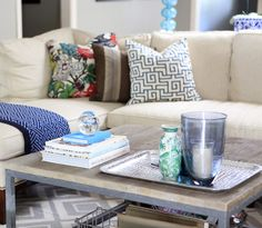 How To Accessorize Your Coffee Table