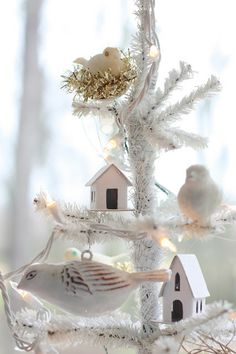 erin's art and gardens ~Beautiful!   I could see this as a DIY for Christmas or other Holidays, as well.